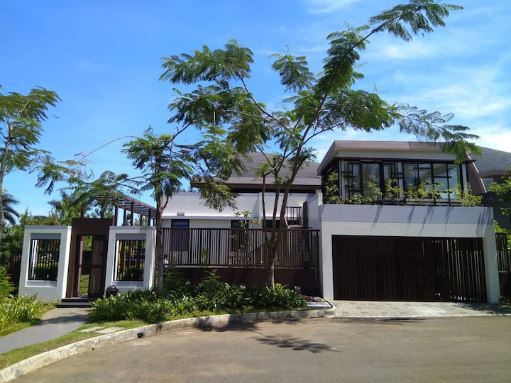4 Bedroom & Privt Pool @ Vimala Hills [18 ppl max]