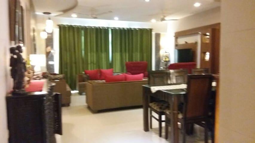 Home sweet home...!! - Sahibzada Ajit Singh Nagar - Apartamento