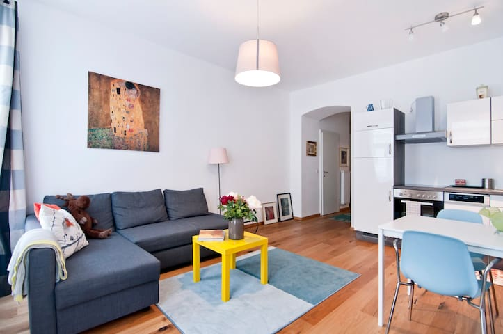 Superb apartment on Danube Channel 9 district