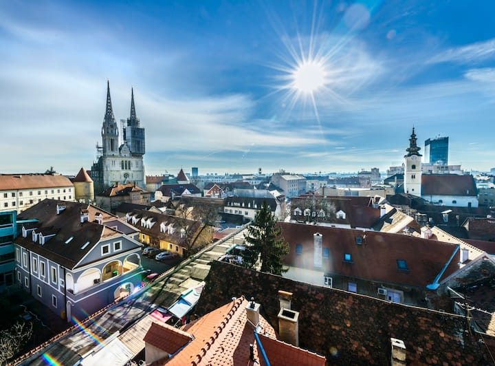 Penthouse with BALCONY *CITY VIEW* Zagreb by Heart