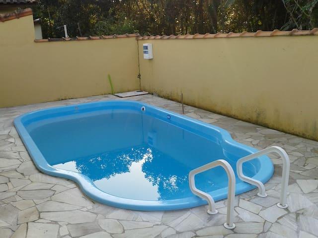 Casa Mobiliada com Piscina e Wi-Fi - Bertioga - Hus