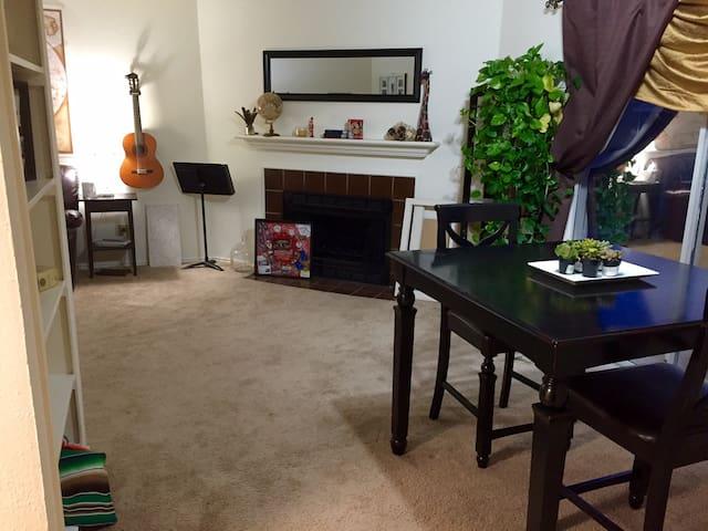 Arlington Apartment near Cowboys Stadium - Arlington - Apartment