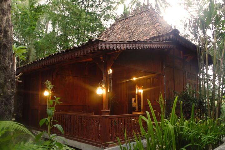 Kampung Labasan Kudus Bungalow