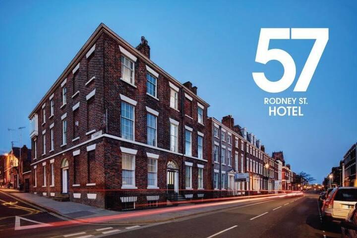 Private Double Room City Centre £30