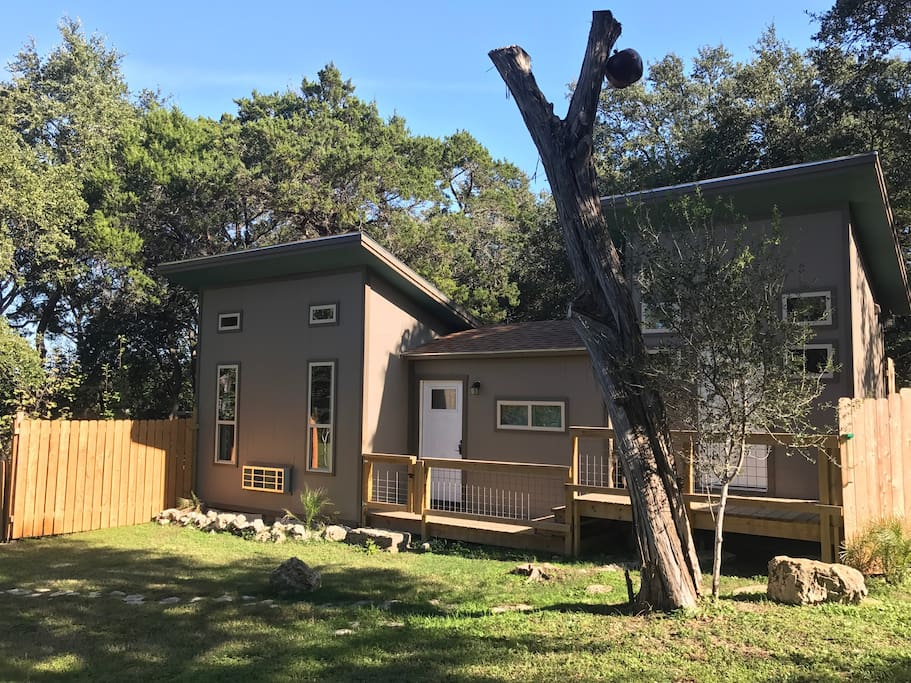 The lakeway cabin cabins for rent in austin for Austin cabin rentals