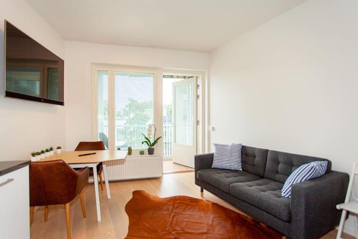Tapiola, new top floor studio with ac and balcony