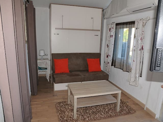 Petite maison indépendante avec terrasse - La Gaude - Maison