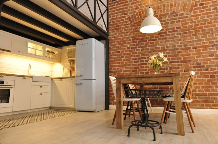 ♡Loft Studio♡perfect for couples,Spacious and cosy