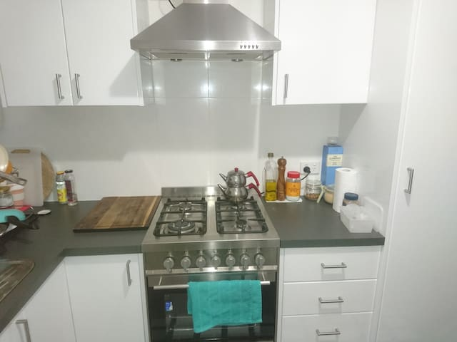 Clean Family Home/ Close to Airport, City, Beaches