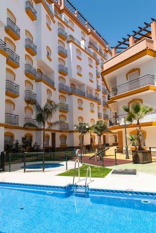 SIERRA DE MALAGA - URB. FLOR DE ALM - Guaro - Квартира