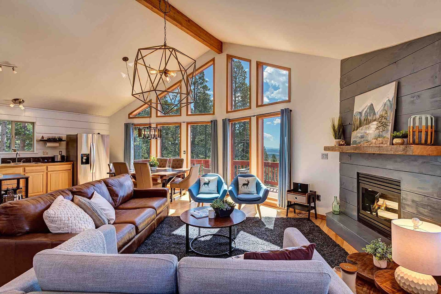 The High Alpine Lodge - Park County's premier luxury lodge accommodation for 10.