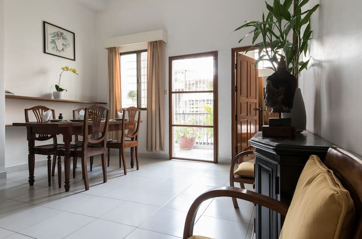 Lovely 2 Bedrooms apartment. Centre of Phnom Penh. - Phnom Penh - Apartamento