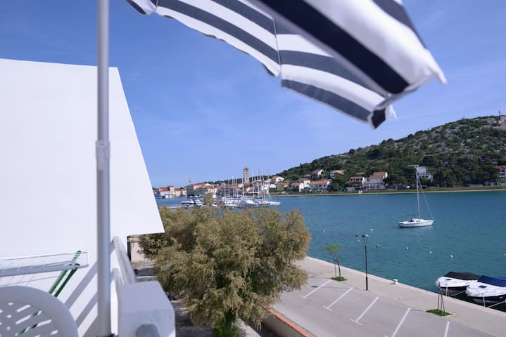 Seafront Apartment in Tisno Near the Center