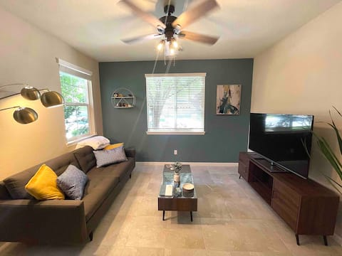 Modern, Quiet South Reno Residential Apartment