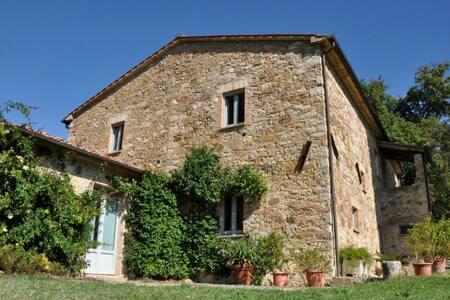 La Sorgente, sleeps 8 guests - San Casciano dei Bagni