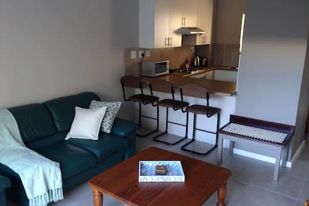 2 Bedroom self catering flat - Cidade do Cabo