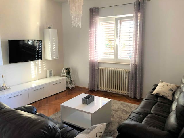 Two bedroom apartment-great location, free parking