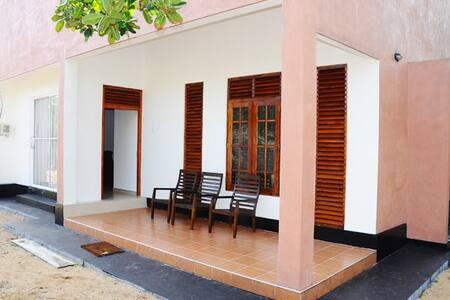 Akain Villa - Boossa