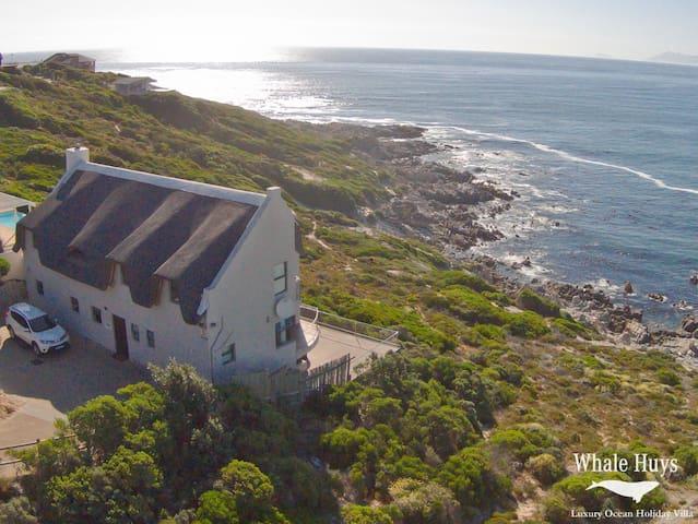 Oceanfront Villa 4br/4ba pool  wifi - De Kelders
