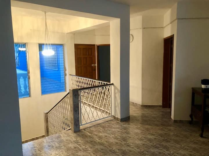 Casa Aura, gran ubicación, alberca, 5 habitaciones