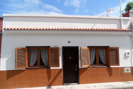 Haus Los Silos für 4 Personen - Los Silos - Dom