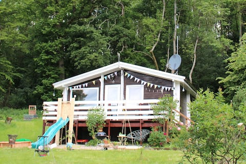 La petite cabane - randonnée. Faites l'expérience de la nature.