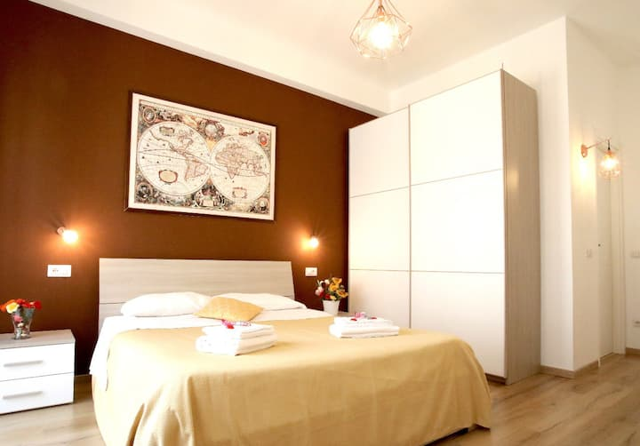 "CENTRAL B&B in ROME ""TULIPAN ROOM"""