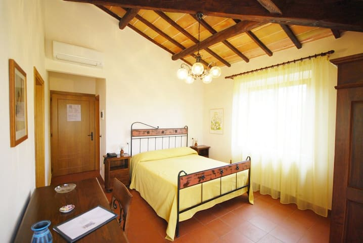 Esperia B&B in Val d'Orcia - Chianciano Terme - Bed & Breakfast
