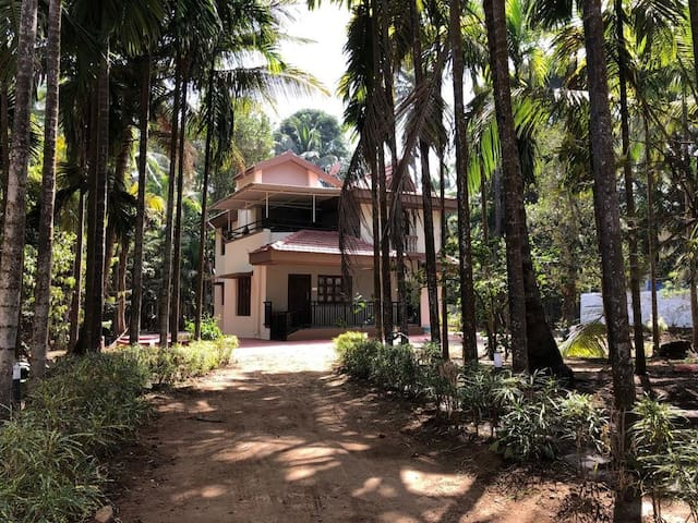 """Ganesh Niwas ' A Home away from Home"""""""