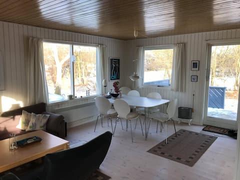 Dejligt sommerhus med 6 sengepladser i Ebeltoft