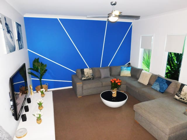 Lounge room with 50 inch LCD and full Foxtel package