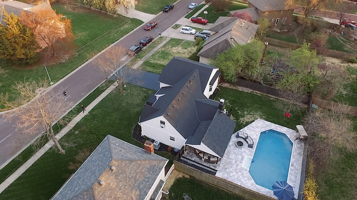 Incredible luxury home! Great location close to KC