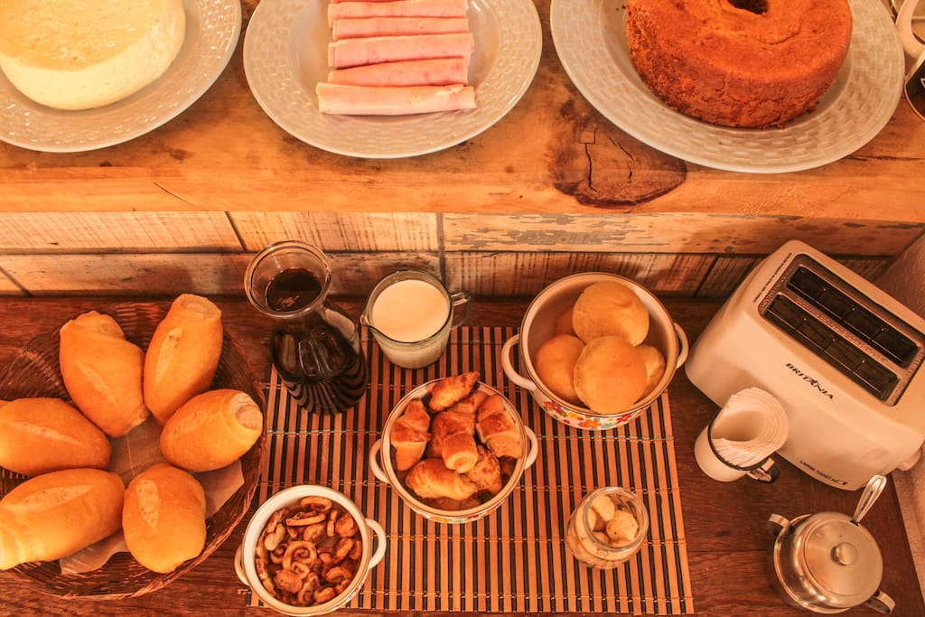 Café da manhã delicioso com produtos artesanais d'O Trem: Culinária e Artesania. @otrembr