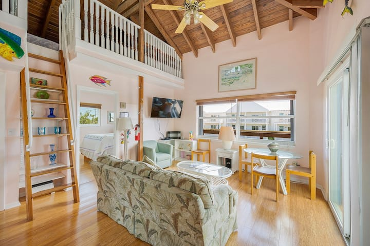 Dog-friendly, oceanview retreat w/ 35-ft dockage, great for families & fishing!