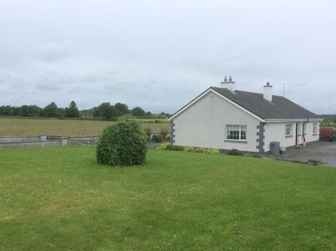 Private Room in beautiful farmhouse, Clonmacnoise