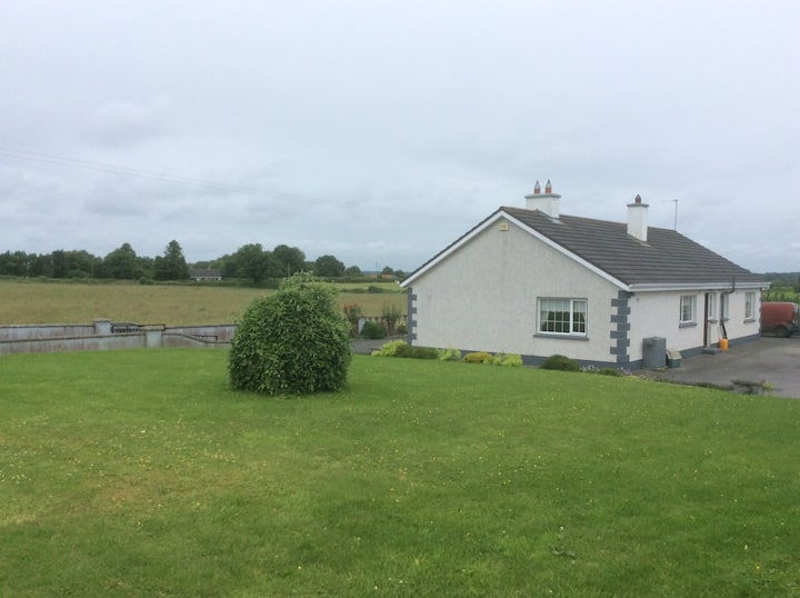 Private Room in beautiful farmhouse, Clonmacnoise