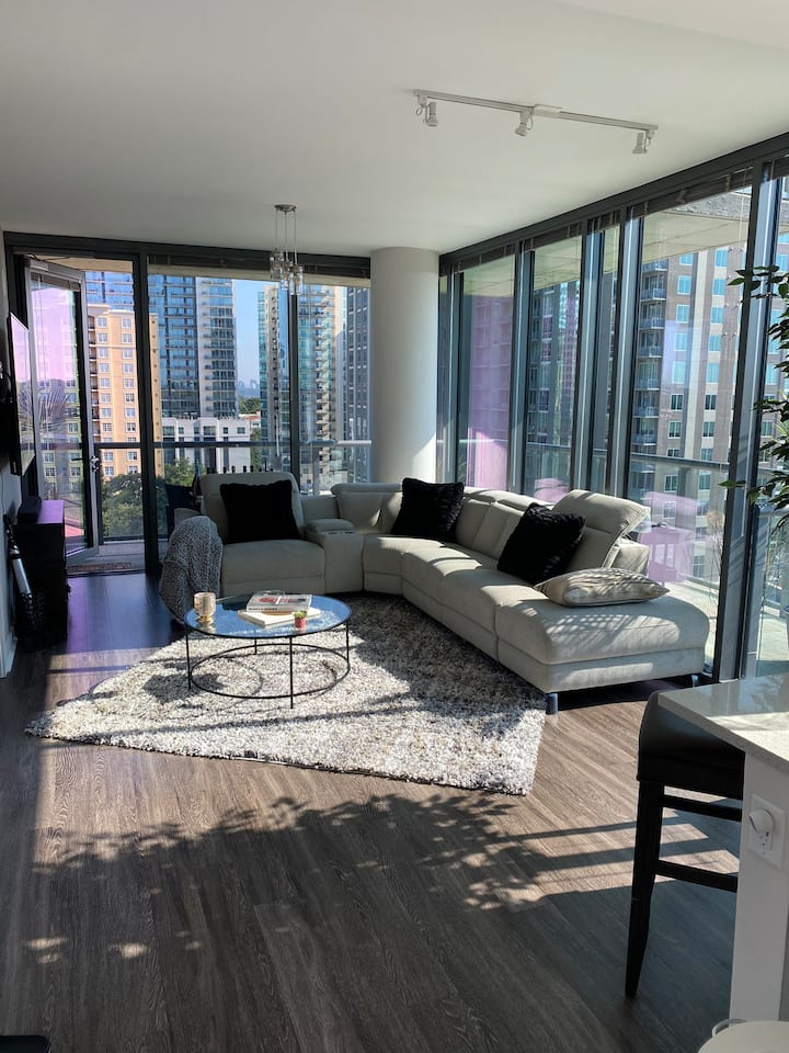 Highrise Luxury Midtown All Glass Huge Balcony  HM