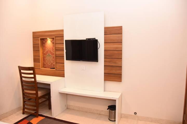 Hotel Karam -Super Luxury Room