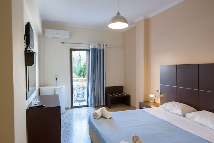 Double Room with Breakfast A