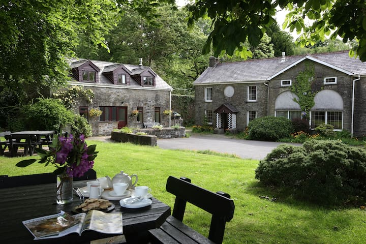 Entire Cottage on Historic Estate - Swansea - Hus