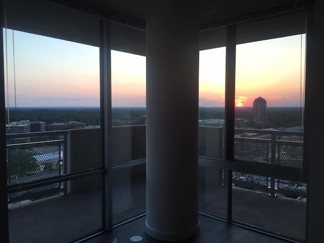 1 bed/ 1 bath in luxury new building - McLean - Apartment