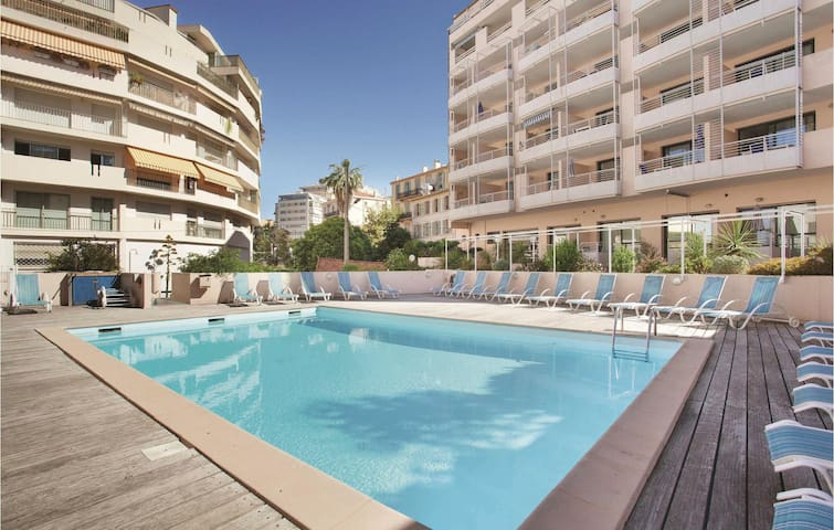 Holiday apartment with 1 bedroom on 27m² in Cannes