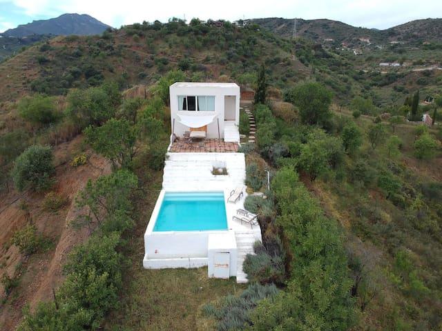 Casa, piscina y terraza de uso exclusivo y con total intimidad y privacidad