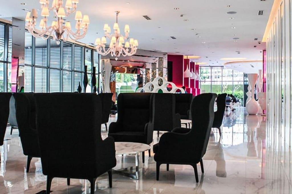 Beach Club lobby