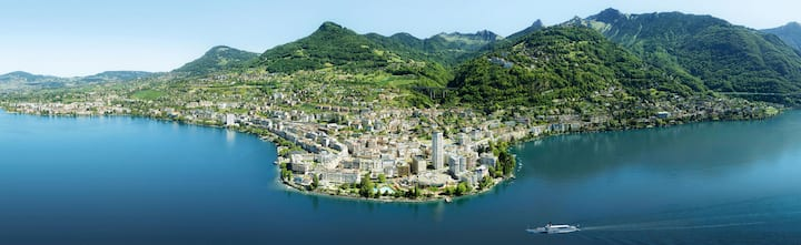 Flat downtown Montreux 1 minute walk to the lake!