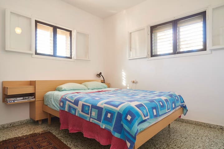Cozy room in central Israel - Kfar Shmuel