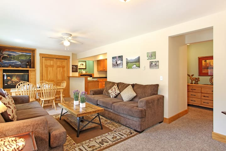Notchtop Mountain 205 - Plenty of room for everyone - and a Queen sleeper sofa for the extra guest.