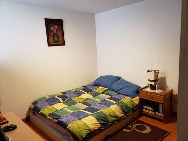 Cómoda y cálida habitación  en excelente sector