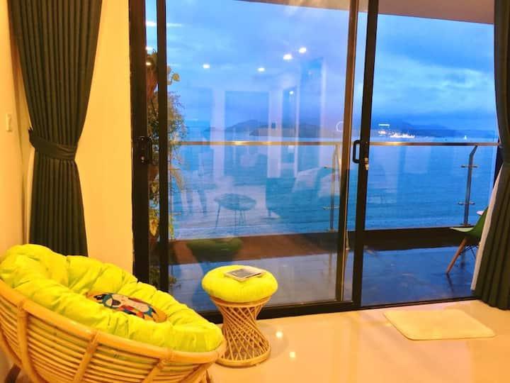 Center luxury apt, big balcony-seaview highfloor