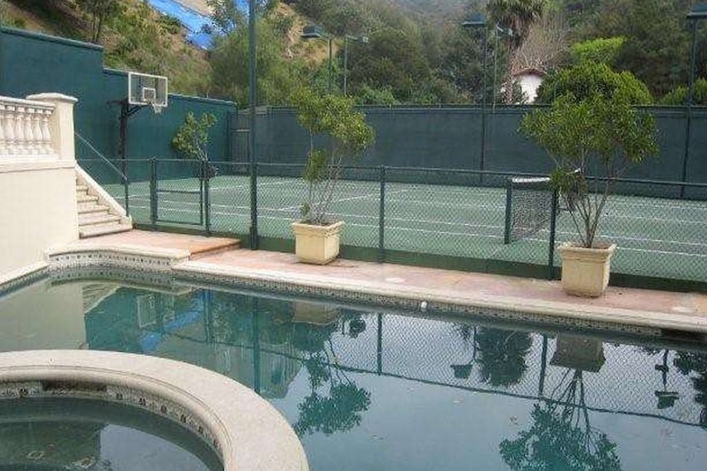Pool & jacuzzi, tennis/basketball court are all yours to use, very private
